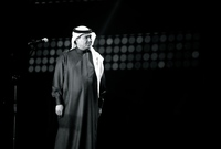 """بعد تخرجه في المعهد الصناعي بجدة، عام 1963، كان ضمن بعثة سعودية متجهة إلى إيطاليا لصناعة السفن، تحولت الرحلة من روما إلى بيروت عن طريق """"عباس فائق"""" مكتشف موهبته ليبدأ مشواره الفني"""