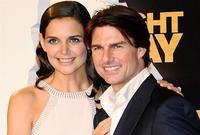 """وفي عام 2006 تزوج من الممثلة كيتي هولمز وأنجبا ابنة اسمها """"سوري"""" قبل أن ينفصلا عام 2012"""