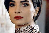 وفي عام 2012، لعبت أول دور سينمائي لها في فيلم «اسأل قلبك»