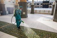 وأيضا التنظيف المستمر للحرم وتعقيمه بفواصل زمنية قصيرة
