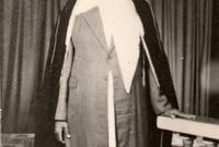 عبد الله بن عبد الغني خياط ولد في عام 1326هـ بمكة المكرمة توفي عام 1415 هـ