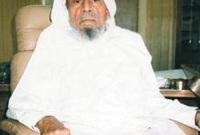 صدر الأمر الملكي بتعيينه إماماً في المسجد الحرام عام 1346 هـ وكان يساعد الشيخ عبد الظاهر أبوالسمح في صلاة التراويح وينفرد بصلاة القيام آخر الليل