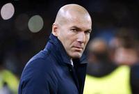 قاد زيدان منتخب فرنسا للفوز بكأس العالم في عام 1998 ولعب في نادي يوفنتس وريال مدريد، اعتزل لعب كرة القدم وتولى الإدارة الفنية لنادي ريال مدريد واستطاع الفوز ببطولة دوري أبطال أوروبا 3 مرات متتالية، كما حصل على الكرة الذهبية لأفضل لاعب في كأس العالم 2006.