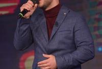 دخل مجال صناعة الموسيقى في السويد وعمل مع المنتج المغربي نادر خياط