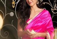 هي الممثلة الهندية الوحيدة التي تمّ تصميم لعبة باربي تشبهها ويطلق عليها اسم كاترينا باربي بوليوود