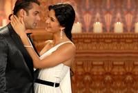 """تسبب سلمان خان في إحراج كبير لها في حفل زفاف شقيقته، حيث أراد سلمان خان الرقص معها على المسرح، فصعد على المسرح مناديا أياها """"كاترينا كيف، كاترينا كيف، يرجى الحضور إلي خشبة المسرح"""""""