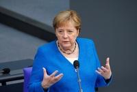 لعبت ميركل دورا رئيسيا في مفاوضات معاهدة لشبونة وإعلان برلين، كان واحدا من أولويات ميركل تعزيز العلاقات الاقتصادية عبر الأطلسي