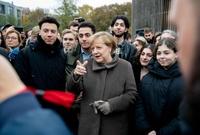 رغم المعارضة والانتقادات لكنها تمسك بموقفها من اللاجئين، وكان يتوقع أن تفوز بجائزة نوبل للسلام