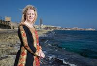كانت تعيش في نابلس ورام الله حين كانت تخضعان للسلطة الأردنية