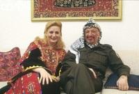 عام 1989 حدث اللقاء الثاني بينهما في فرنسا حين كان ياسر عرفات يقوم بجولته، ضمن برنامج سياسي وتطوعت سهى للعمل كمترجمة له في لقاءاته مع الساسة الفرنسيين