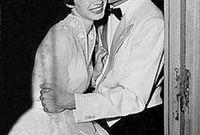 قال الروائي المصري إيمان يحيي أن يوسف شاهين تزوج من راقصة باليه روسية كانت تعيش في اسكندرية ولكنها توفت في سن صغير 29 عام وفسر البعض أن سبب حب شاهين للرقص واسكندرية هو هذا الأمر