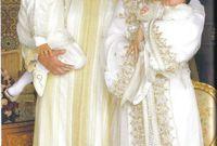 تزوّج عام 2002 من سلمى بناني التي لقبت بلقب الأميرة للا سلمي وهي من عوام الشعب ما زاد من حُب الشعب المغربي له، أنجب منها الأمير الحسن عام 2003 وهو ولي العهد، والأميرة خديجة عام 2007