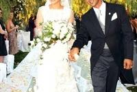 بعدها تزوجت من الممثل كريس جود عام 2001 ولكنهم انفصلا عام 2002
