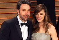 خلال فترة انفصالهما الطويلة، تزوج بن أفليك من الممثلة الأمريكية، جينيفر غارنر، وأنجب منها 3 أطفال لكنهما حصلا على الطلاق رسميا في 2017