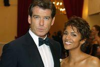 ليست هذه المرة الأولى التي تتعرض فيها بيري للموت، فأثناء تصوير فيلم«James Bond » تعرضت للاختناق خلال مشهد عاطفي، ولكن الممثل بيرس بروسنان أنقذها حيث أجرى لها الإسعافات الأولية
