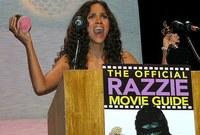 بعد أن صنعت التاريخ بفوزها بجائزة أوسكار، حصلت أيضا على جائزة Razzie كأسوأ ممثلة عن دورها في فيلم «Catwoman»