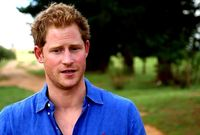 وُلد في 15 سبتمبر عام 1984 وهو ثاني أبناء الأمير تشارلز من زوجته الأولى ديانا أميرة ويلز