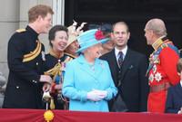ومنذ هذا اللقاء اشتعل القصر الملكي البريطاني وخرجت العديد من الشائعات