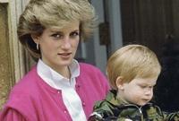 وعانى الأمير هاري من فراق والدته لفترة طويلة وقال أنه أفرط في الشرب لكي يتغلب على غيابها