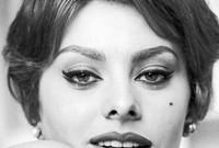 لم تكن صوفيا ممثلة فحسب، بل أنها سجلت خلال مسيرتها الفنية أكثر من 20 أغنية من بينها ألبوم تم اعتباره بين الألبومات الأكثر مبيعًا وقتها