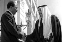 شاركت الشيخ أحمد آل الثاني أمير قطر في حظر النفط للدول المؤيدة لإسرائيل كما قام بتقديم دعم مالي لمصر بمبلغ قدره 100 مليون دولار