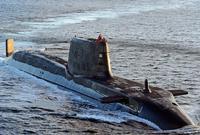 كما يمتلك أحدث الغواصات الحربية التي تؤهله للمشاركة في العمليات العسكرية البحرية ممثلًا خطرًا كبيرًا على أعداءه