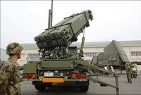 بالإضافة إلى تطويرها لأنظمة دفاع جوي تعتمد على احدث التقنيات التكنولوجية حيث تعد اليابان رائدة في أسلحة الحرب الإلكترونية