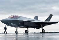 يعد أحدى أقوى أسلحة الطيران في العالم إذ يمتلك المقاتلة الأمريكية F-35  أقوى مقاتلة في العالم بجانب عدد كبير من طائرات الـ F-16 القوية