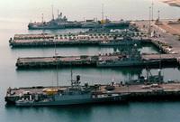 كما تمتلك 300 سفينة حربية تتكفل بحماية سواحل المملكة التي تمتد عبر مئات الأميال