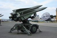 وتعتمد الإمارات على منظومة الدفاع الجوي الأمريكية هوك في حماية أجوائها