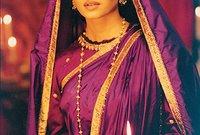 آيشواريا ممثلة وعارضة أزياء هندية من مواليد 1 نوفمبر 1973