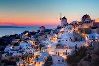 """تعرف سانتوريني بأنها """"درة اليونان"""""""