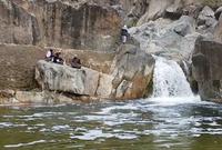 ويوجد بها منتزه المحتطبة الذي يتميز بوجود شلالات وبحيرات طبيعية في مشهد نادر رؤيته في المملكة 