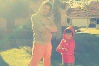 صور لإياد نصار مع ابناءه