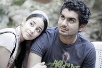 """تزوجت عمران من الإعلامي البحريني خالد الشاعر في 8 أغسطس عام 2008، وكان عمرها 18 عاماً، وذلك بعدما استضافها في برنامجه """"وناسة"""" وتبادلا الإعجاب بينهما لينتهي بالارتباط والزواج.."""