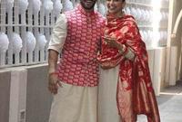 """صور للعروسان في مطار """"مومباي"""" بالهند بعد عودتهما من اتمام مراسم الزفاف الرسمية"""