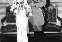 تزوج للمرة الأولى من الأميرة فوزية ابنة الملك فؤاد الأول وشقيقة الملك فاروق الأول ملك مصر أعرق عائلة ملكية في الشرق الأوسط آنذاك