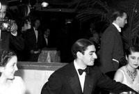 تم الطلاق بينهما في عام 1945 في القاهرة وبعدها تم الطلاق في إيران في عام 1948