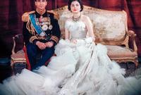 تزوج الشاه للمرة الثانية من السيدة ثريا اسفندياري ابنة السفير الإيراني في ألمانيا الغربية عام 1951 بعد ثلاث سنوات من طلاقه من الأميرة فوزية