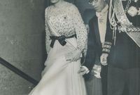 الزواج تم بعد طلاقه بعام واحد فقط من ثريا اسفندياري