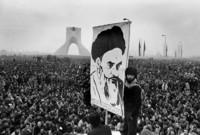 وفي 16 يناير عام 1979 تم إرغام الشاه على مغادرة إيران والتنحي عن منصبه للمرة الثانية لكن دون رجعة هذه المرة
