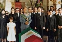 أقام له السادات جنازة عسكرية مهيبة ليتم دفنه بالمقابر الملكية بمسجد الرفاعي الخاصة بأسرة محمد علي باشا باعتباره كان زوجًا للأميرة فوزية