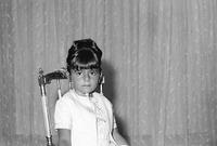 وأنجب ثالث أبناءه الأميرة فرحناز التي ولدت عام 1963 بطهران 