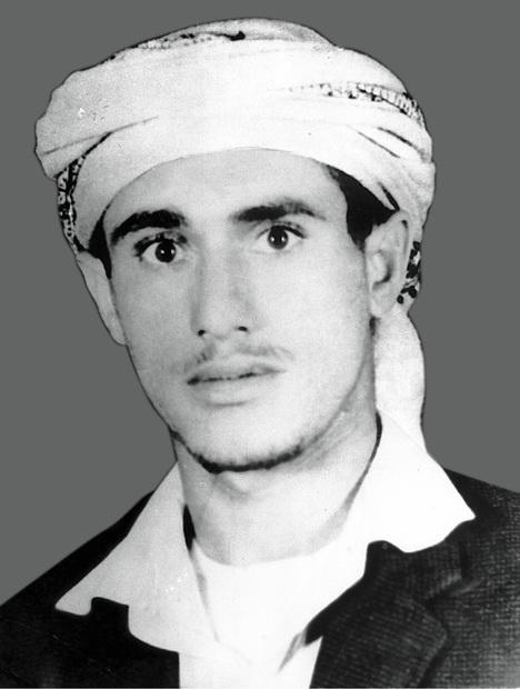 ولد علي عبد الله صالح في 21 مارس 1947 في قرية بيت الأحمر بسنحان خارج صنعاء لعائلة فقيرة