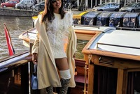 عام 2011 وبعد العديد من الأدوار السينمائية المميزة والألبومات الغنائية التي حققت رواجًا كبيرًا.. أصبحت شوبرا واحدة من فنانات بوليوود الأعلى أجراً وواحدة من الشخصيات الأكثر شعبية فى الهند