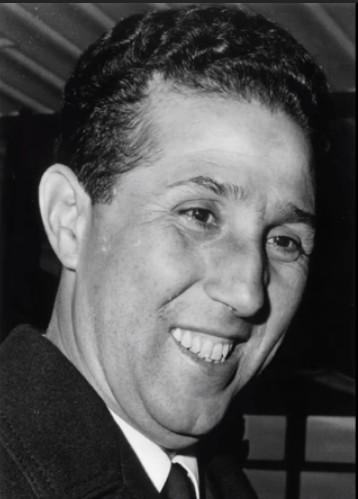 لمن لا يعرف أحمد بن بلة، هو أول رئيس للجزائر بعد الاستقلال، واستمرت فترة حكمه سنتين فقط