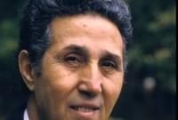 هناك الكثير من تفاصيل حياته نرصدها لكم في السطور التالية، بداية من نشأته مرورًا بنضاله حتى أصبح رئيسًا للجزائر واعتقاله بعدها
