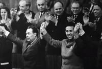 كان معه حينها 4 قادة آخرين لجبهة التحرير الوطني (محمد بوضياف - رابح بيطاط - حسين آيت أحمد - ولشرف)