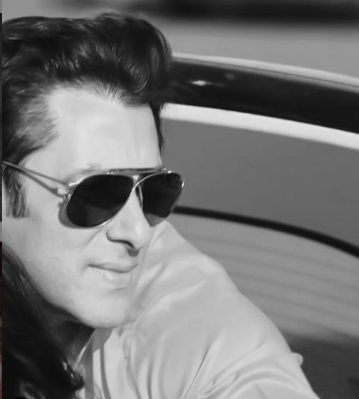 سلمان خان هو ممثل ومنتج ومقدم برامج تلفزيونية هندي، لكن شهرته وجمهوره من كل أنحاء العالم، حيث مثّل دور البطولة في أكثر من 80 فيلمًا هنديًّا