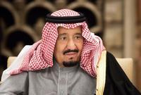 ويعاني الملك سلمان من الديسك في العمود الفقري حيث خضع لعملية جراحية في ظهره بالخارج في يونيو 2010.